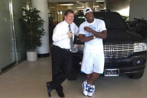 Yasiel-Puig-with-Lincoln-Navigator