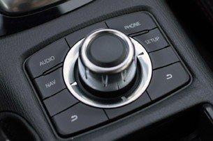 2014-Mazda6-cabin-control