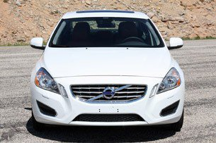 2013-Volvo-S60-T5-front