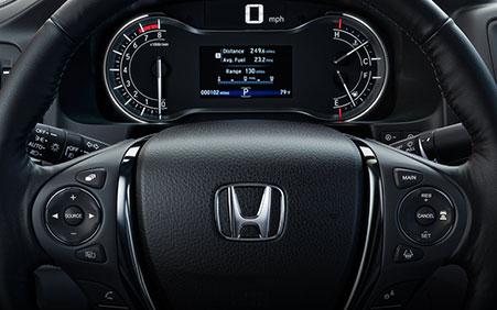 2017 Honda Ridgeline dynamic dash display and heated steering wheel