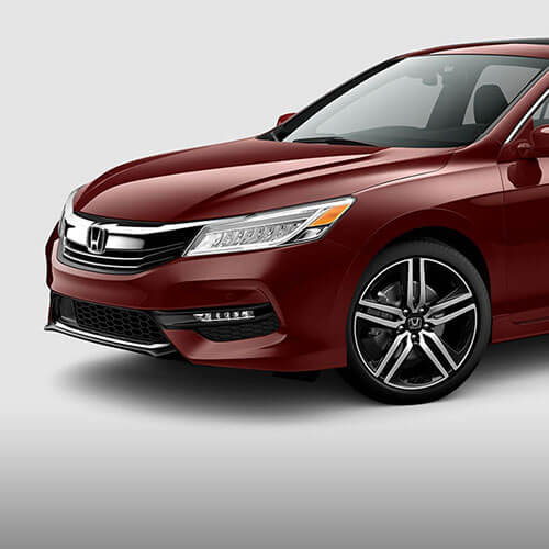 2017 Honda Accord striking front end and sleek, sophisticated bodylines in Los Angeles