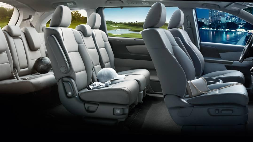 2017 Honda Odyssey interior seats