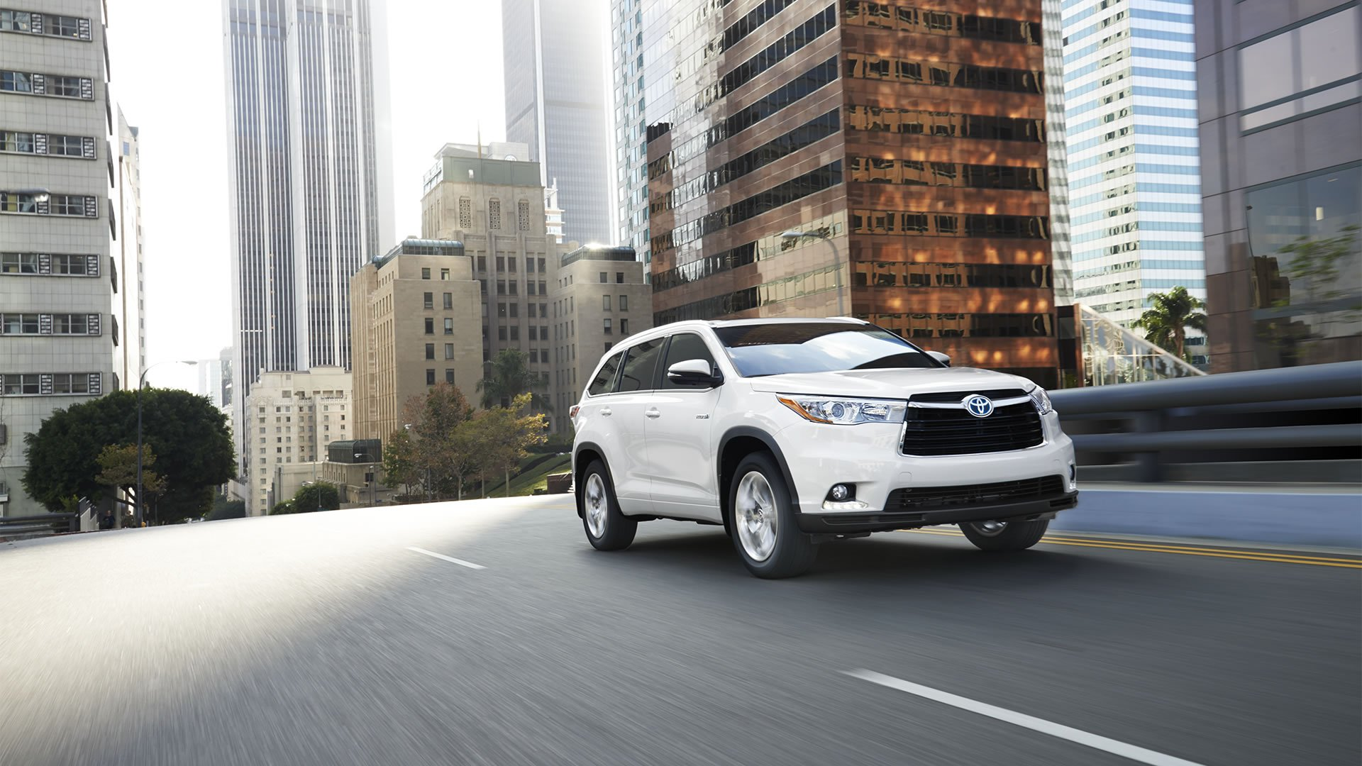 Toyota Dealership Serving Des Moines IA Sales Lease Service - Toyota dealership hours