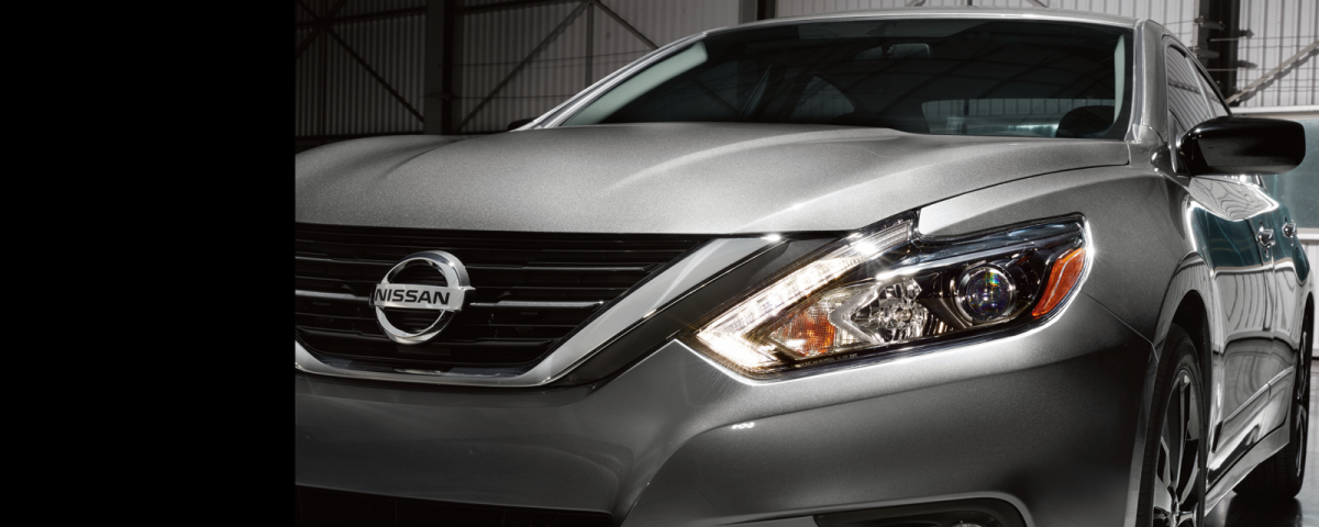 The 2017 Nissan Altima Offers A Large Number Of Amenities An Upscale Interior