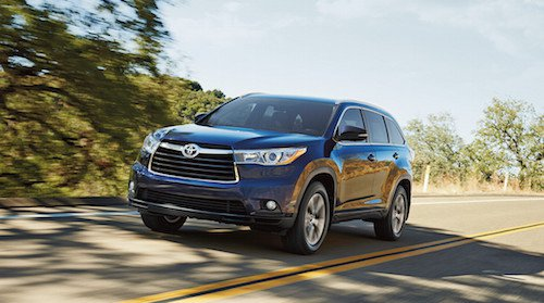 If You Are Looking For A More Practical And Ious Vehicle Come See The Toyota Highlander In Rochester Nh This Roomy Suv Has Ample Cargo E