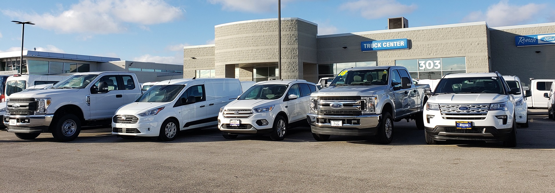 Ford Vehicle Showroom >> Ford Truck Commercial Showroom In Bensenville Il Roesch Ford