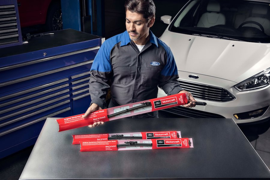 Ford Windshield Wiper Blade Service