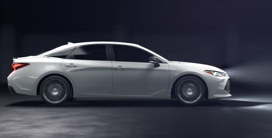 A Closer Look At The 2019 Toyota Avalon Hybrid