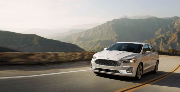 2020 Ford Fusion Road