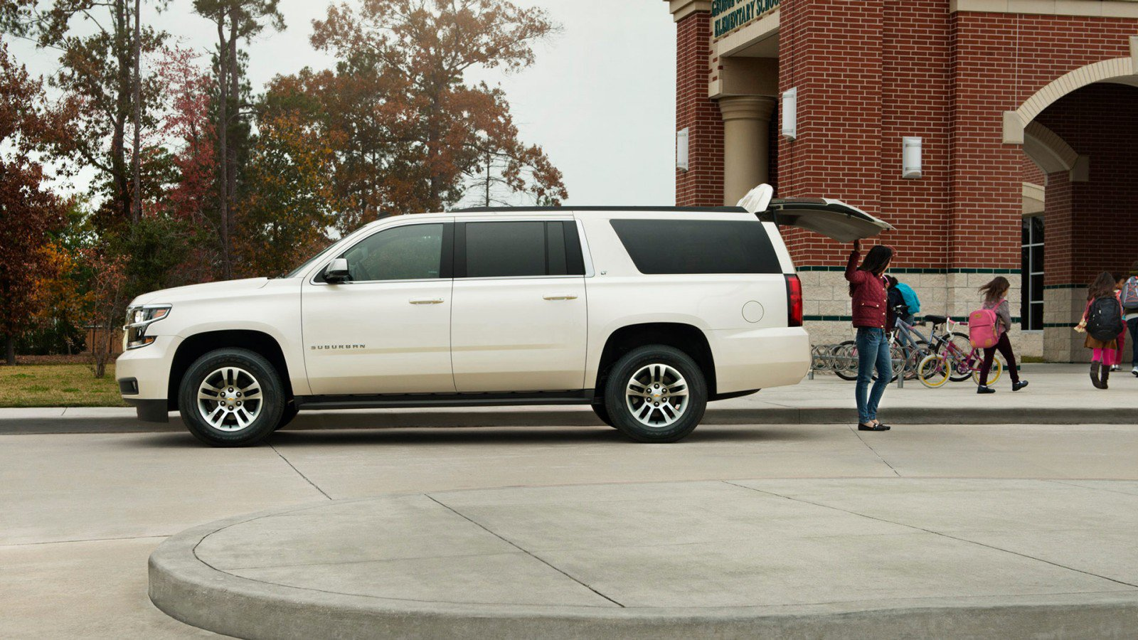 2016 chevrolet suburban vs 2015 chevrolet suburban. Black Bedroom Furniture Sets. Home Design Ideas