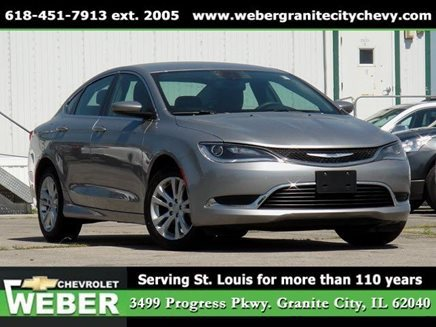2016-Chevy-Cruze-vs-2016-Chrysler-200