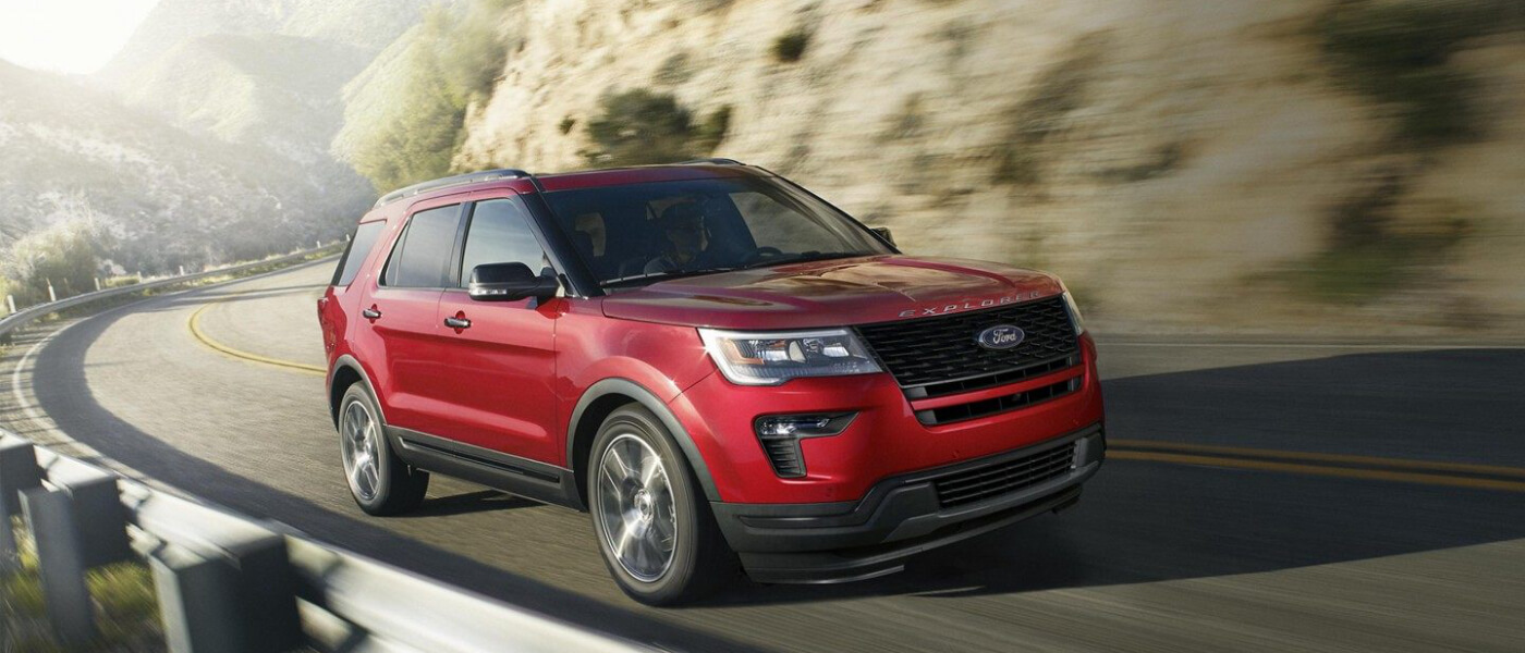2019 Ford Explorer Driving on mountain road