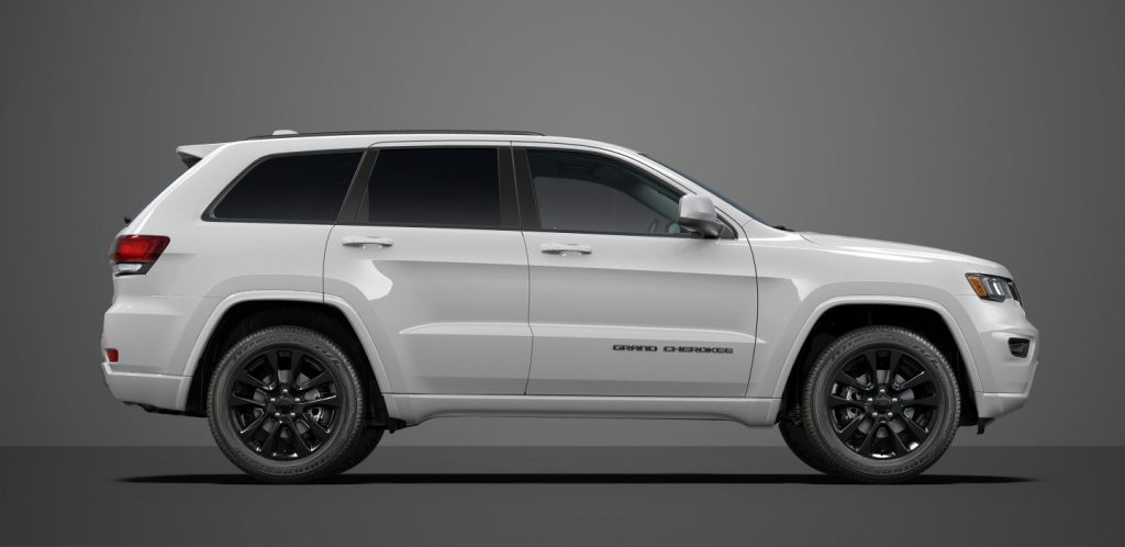 The 2018 Jeep Grand Cherokee Offers A Stylish Interior U0026 Off Road  Capabilities