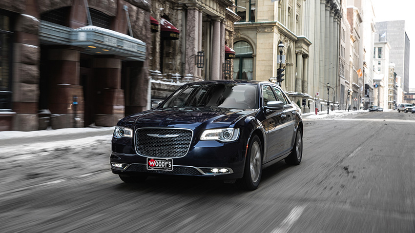 Chrysler Pacifica Lease >> Compare the differences between the New 2019 Chrysler ...