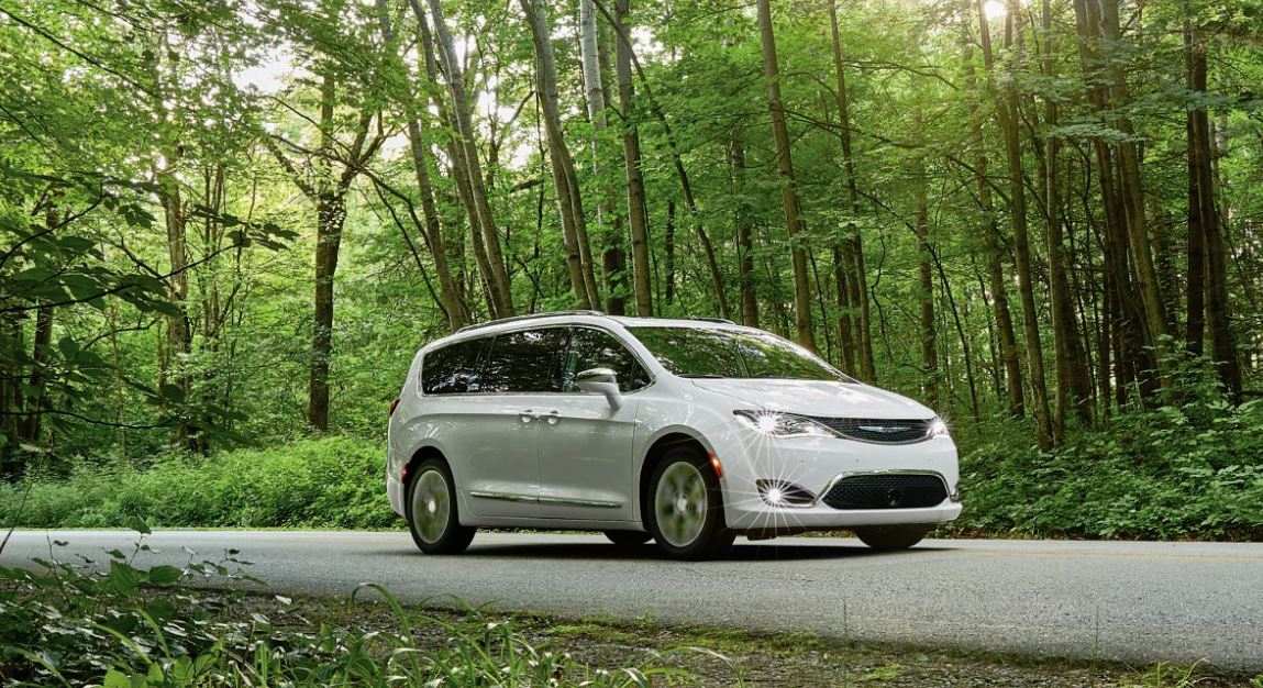 Sleek design of the 2019 Chrysler Pacifica